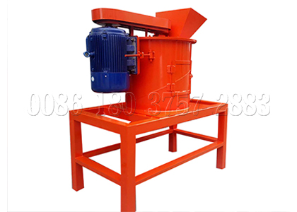 New type vertical crusher for organic waste composting