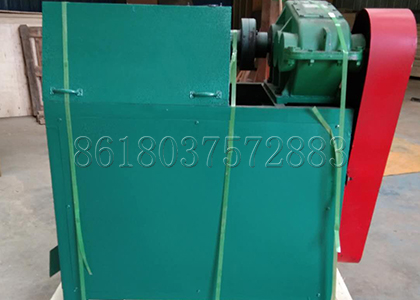 Double roller granulator for making compound fertilizer particles